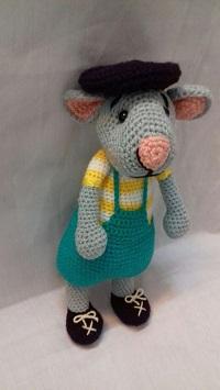 عروسک موش بافتنی