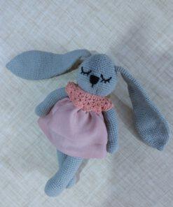 عروسک خرگوش گوش دراز بافتنی