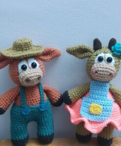 عروسک های گاو بافتنی